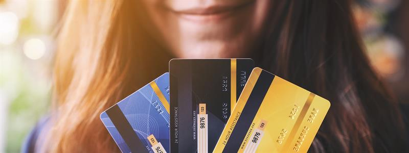 4 Things to Consider When Weighing Credit Cards